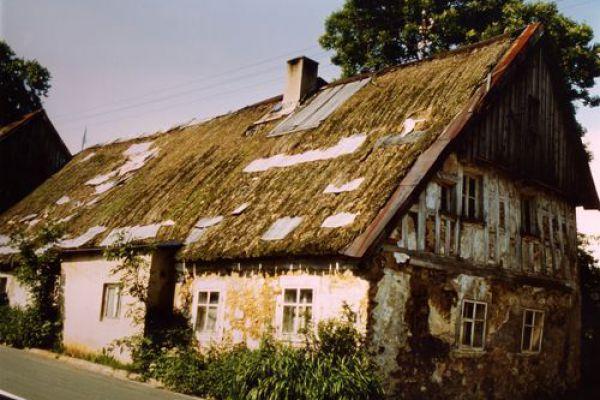 unbekanntes-strohdachhaus621554AA-DBD0-3082-8C02-32489D0989FE.jpg